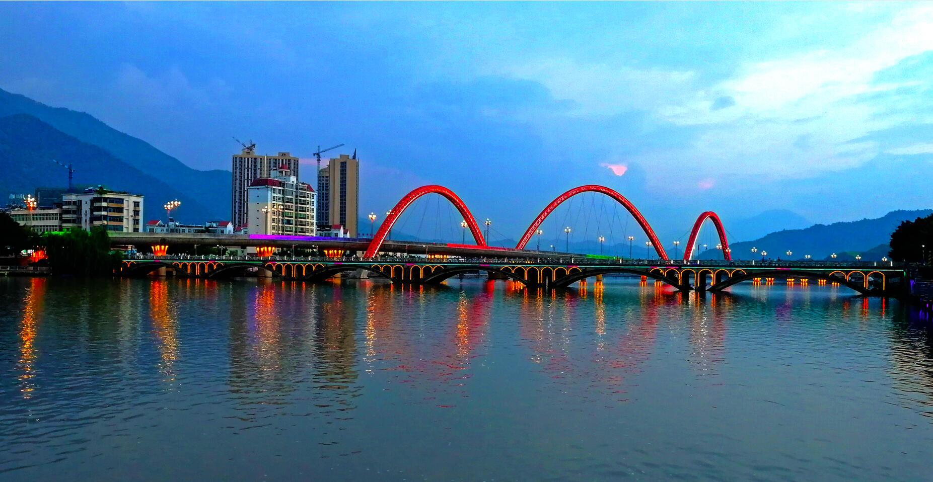 傍晚的安宁河