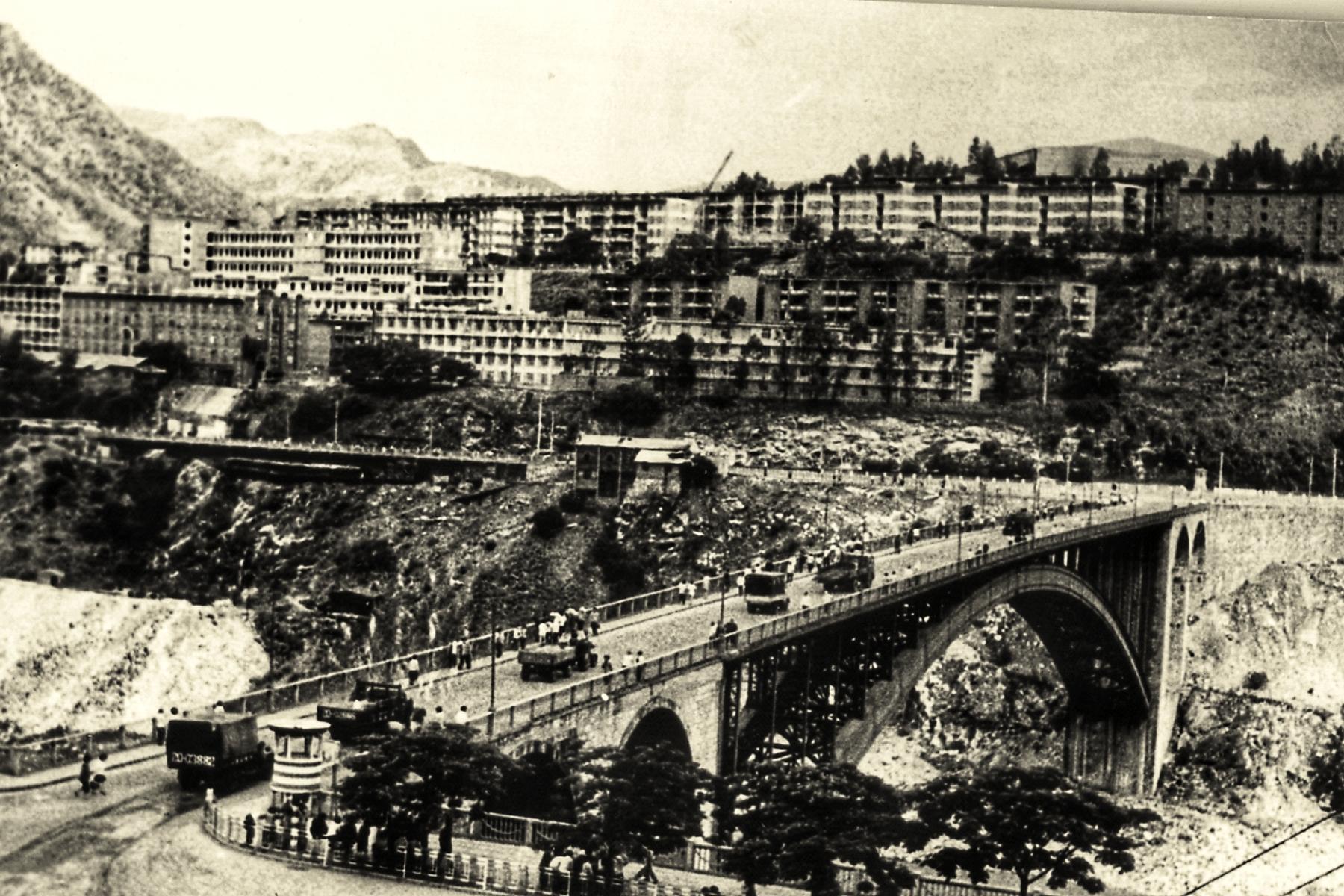 记忆中的渡口大桥