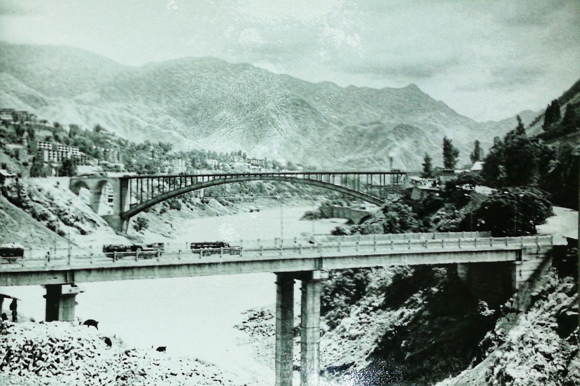 记忆中的桥梁